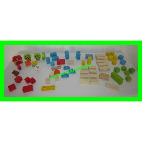 Lot / Vrac blocs / briques de construction en bois avec animaux et décors