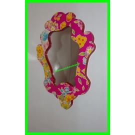 Miroir rose fleuri à accrocher au mur