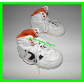 CHAUSSURES MONTANTES BLANCHES GEMO P.22