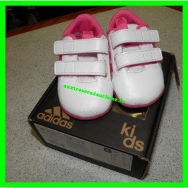 Chaussons adidas taille 18