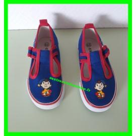 Chaussures basses bleues et rouges Oui-Oui p.25