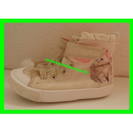 Chaussures montantes beiges à paillettes chat p.25