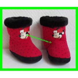 Chaussons montants fourrés P. 25 rouges à pois noirs Minnie Mouse Disney